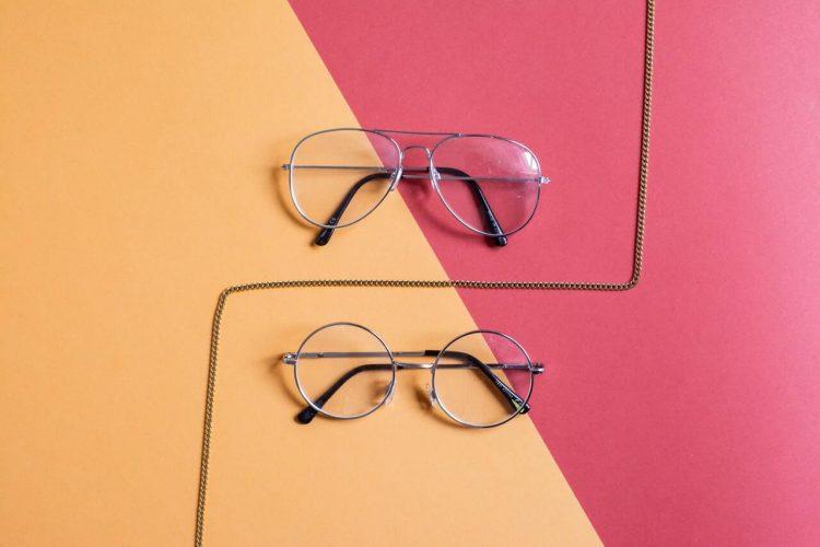 Ako si vybrať okuliare cez internet?